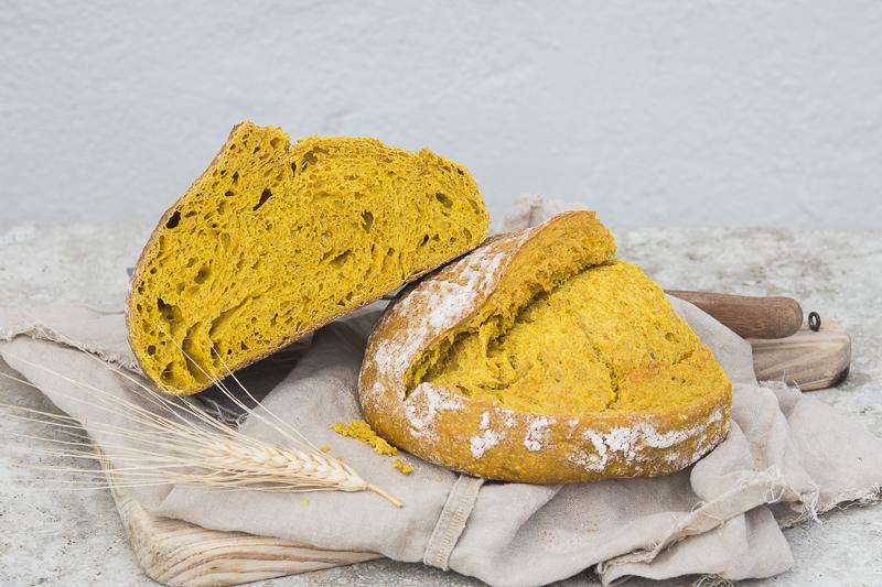 Pan de curcuma con masa madre by tia lou (2)