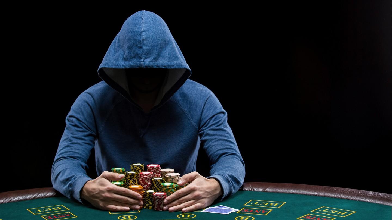 Fuller House Exposing highend poker cheating devices