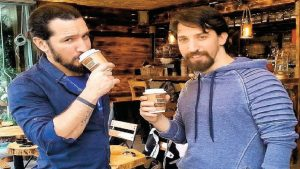 Doğukan Ve Batıkan Manço - Cafe Los Manços