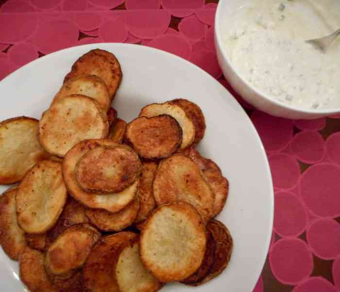 Baked Potato Chips with Blue Cheese Dip