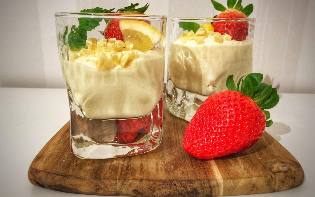 Kvargmousse med smak av vanilj och citron