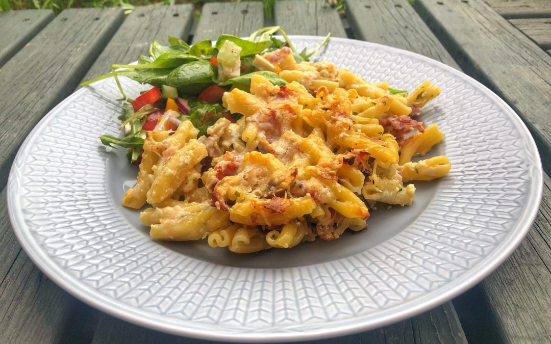 Pastagratäng med pancetta och champinjoner