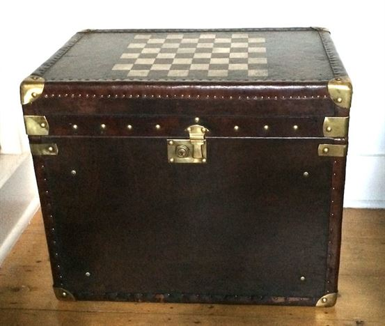 ANTIQUE FURNITURE WAREHOUSE Leather Trunk Table With