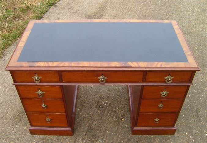 ANTIQUE FURNITURE WAREHOUSE  Antique 4ft Victorian Desk