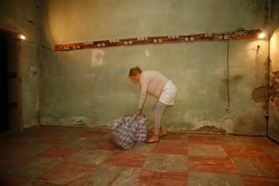 Displaced, Performance und Rauminstallation, 2009 (Foto: Marek Kucera)