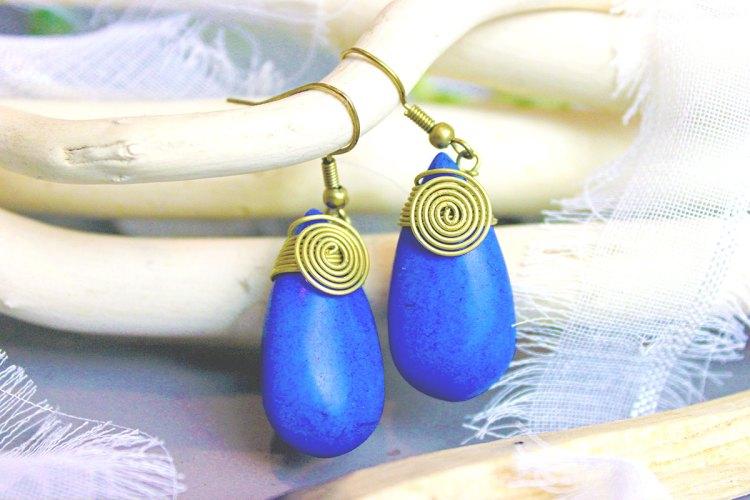 BIJOUX CHERIE Des bijoux chinés à travers le monde - boucles d'oreilles en lapis lazuli - elise and co