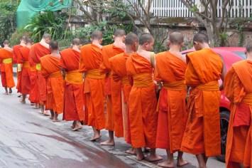 L'aumône des moines, rue adjacente
