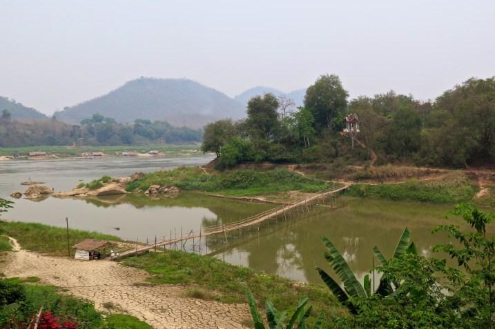 Pont de bambou à l'aller...