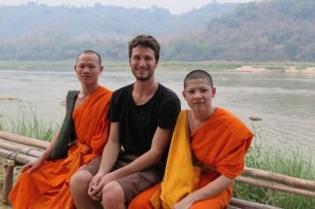 Avec nos deux moines bavards