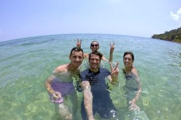 Baignade Sunset Beach Koh Rong Samloem Cambodge blog voyage 14