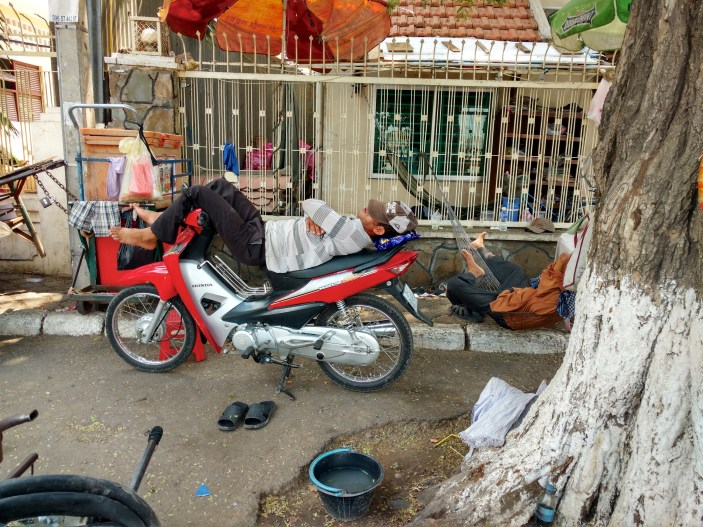 Sieste sport national Phnom Penh Cambodge blog voyage 23