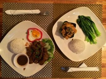 Dîner chez Geneviève : bœuf Lok Lak et Amok de poisson (deux spécialités cambodgienne), DÉLICIEUX !