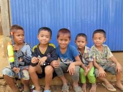 enfants pumai plateau des bolovens, bilan laos blog de voyage