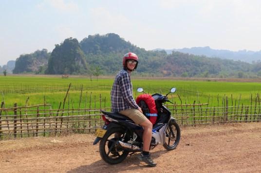 moto thakhek bilan laos blog de voyage