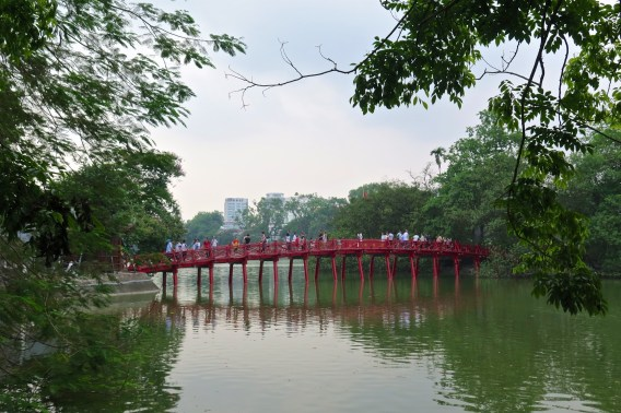 Pont du soleil levant Hanoi Vietnam blog voyage 2016 25