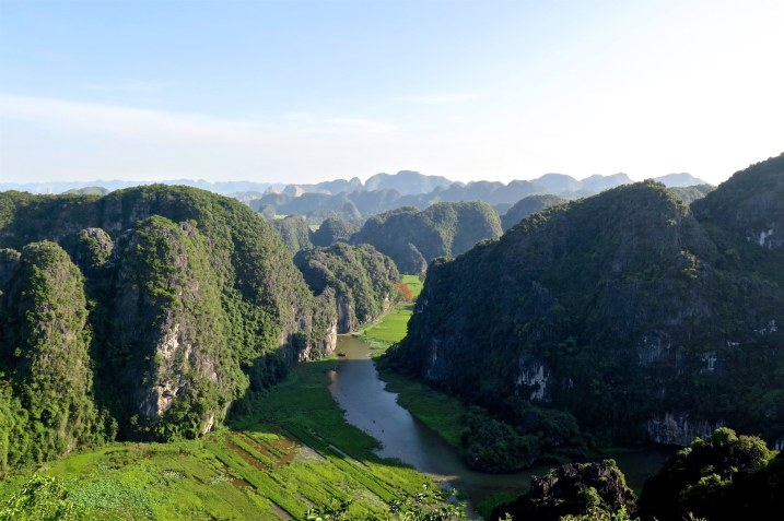 Vue sommet dragon Tam Coc Baie Halong terrestre Vietnam blog voyage 2016 16