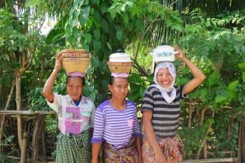 Femmes senggigi-lombok-indonesie-blog-voyage-2016-36