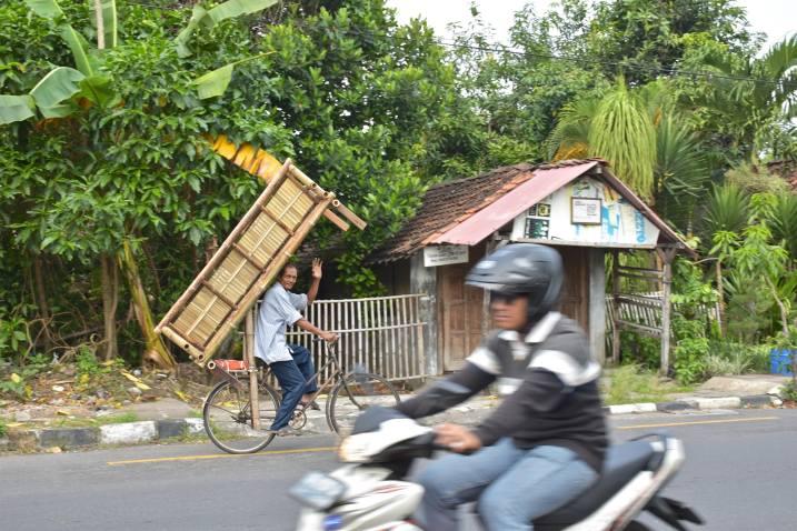 Cycliste yogyakarta-borobudur-prambanan-indo
