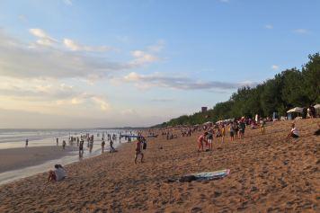 Kuta beach tanahlot-kuta-bali-indonesie-blog-voyage-2016-21