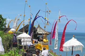 Ceremonie tanahlot-kuta-bali-indonesie-blog-voyage-2016-5