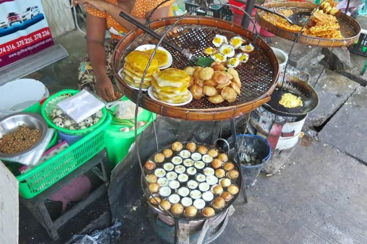 Vendeur de rue Yangon-Myanmar-Birmanie-blog-voyage-2016 2