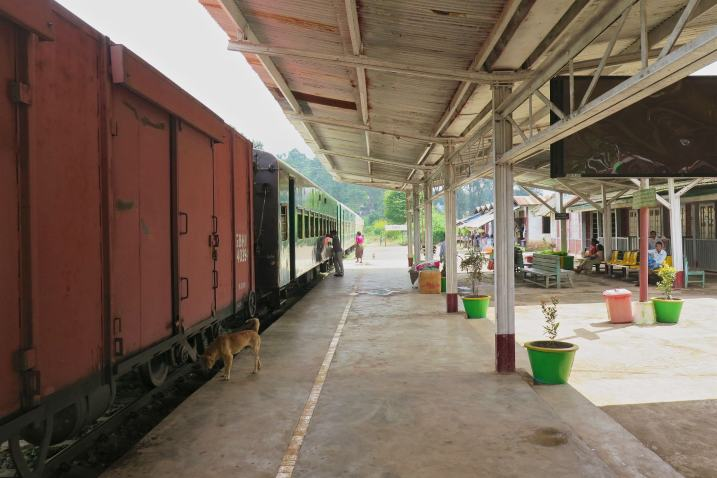 Gare train Kalaw-Myanmar-Birmanie-blog-voyage-2016 1