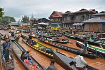 Embouteillages bateaux Lac-Inle-Myanmar-blog-voyage-2016 24