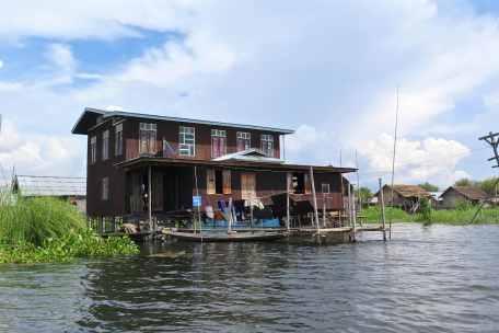 Maison pilotis Lac-Inle-Myanmar-blog-voyage-2016 63
