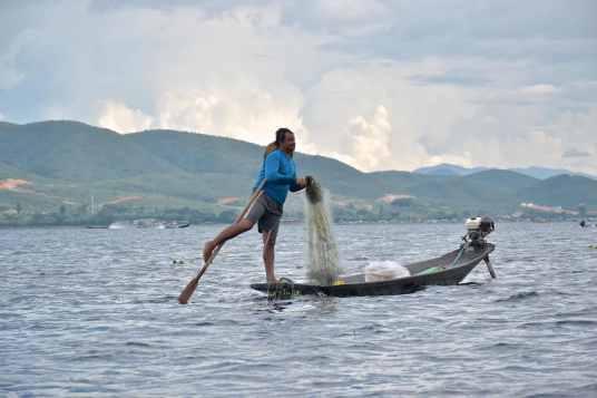 Pecheur filet Lac-Inle-Myanmar-blog-voyage-2016 82