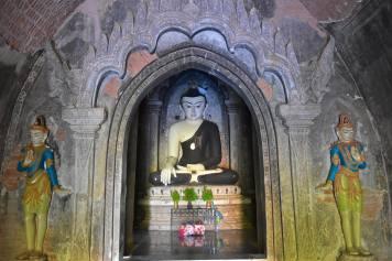 Bouddha dans le temple Lowka Ou Shaung