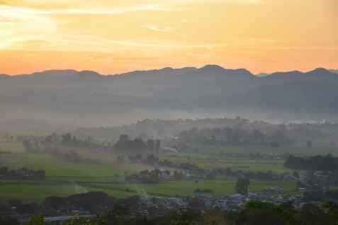 Paya Teing Daung Sunset View Hsipaw Myanmar blog voyage 2016 25