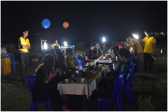 Petit dejeuner Montgolfieres-Bagan-Myanmar-Birmanie-blog-voyage-2016 1