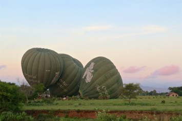 Décollage Montgolfieres-Bagan-Myanmar-Birmanie-blog-voyage-2016 7