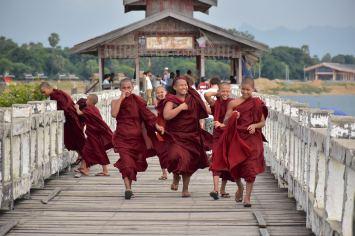 Moines U-bein Mandalay-Inwa-Ubein-Myanmar-Birmanie-blog-voyage-2016 59