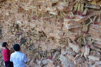 Mur encens Mandalay-Sagaing-Mingun-Myanmar-Birmanie-blog-voyage-2016 25