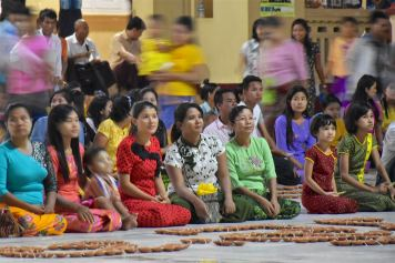 Fete lumieres Mahamuni Mandalay-Sagaing-Mingun-Myanmar-Birmanie-blog-voyage-2016 37