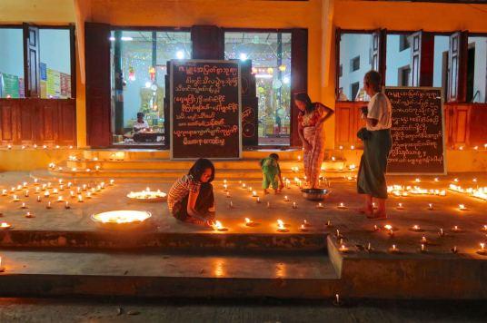 Fete Lumieres bougies Mandalay-Sagaing-Mingun-Myanmar-Birmanie-blog-voyage-2016 46