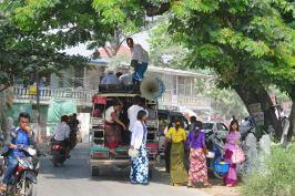 Arret minibus Mandalay-Sagaing-Mingun-Myanmar-Birmanie-blog-voyage-2016 8