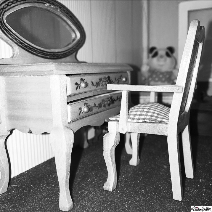 Day 16 - Chair - Black and White Dolls House Dressing Table and Chair - Photo-a-Day - January 2016 at www.elistonbutton.com - Eliston Button - That Crafty Kid – Art, Design, Craft and Adventure.