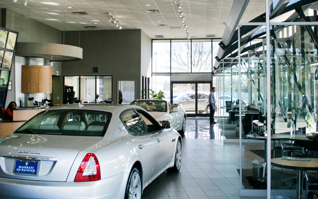 Reasons to buy a used car from a car dealer