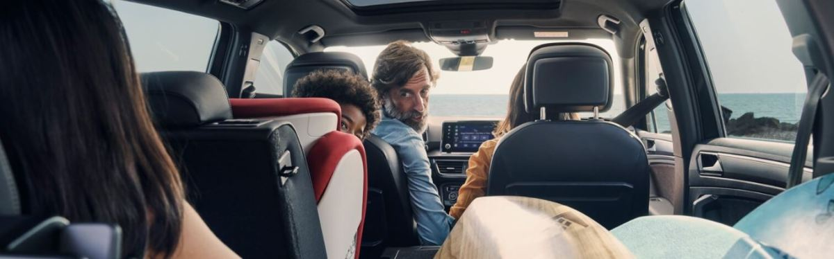 A Guide to Choosing a Rental Car for Large Families