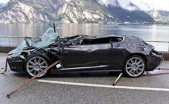 Aston Martin DBS de James Bond