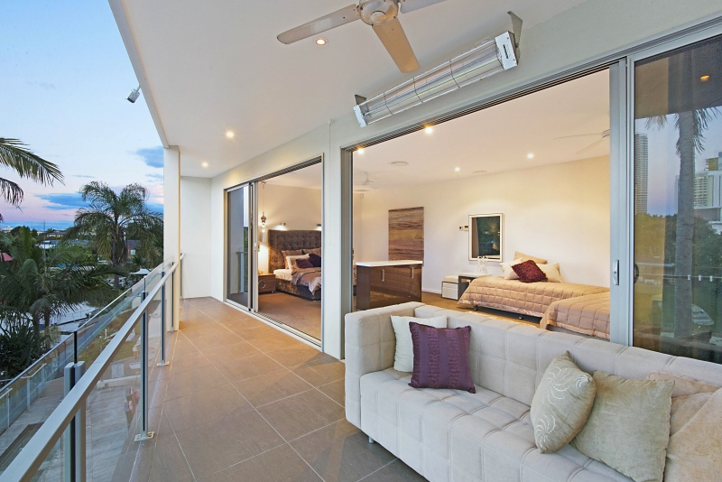 Blue Waters Retreat Holiday Home Gold Coast