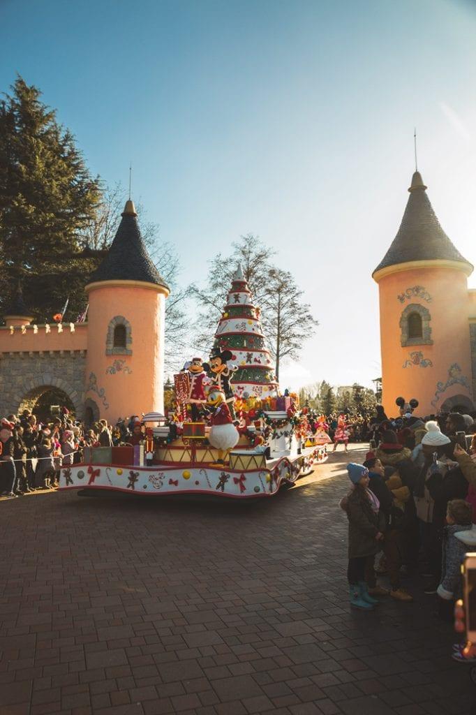 Disney Paris Christmas Parade