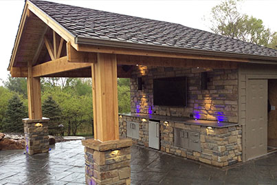 Outdoor Kitchens And Bars