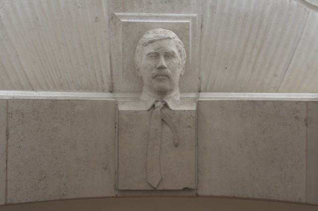 Face in the ceiling - Trafalgar Square