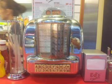 Jukebox – Ed's Easy Diner