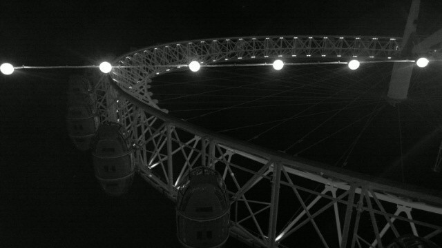 London Eye black and white