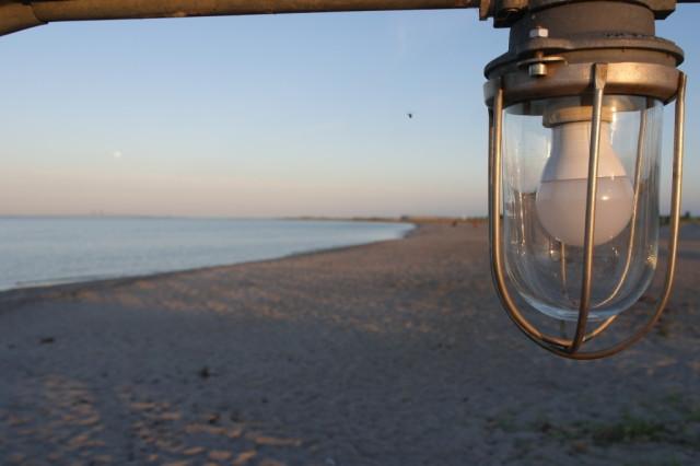Lightbulb at Malmo beach