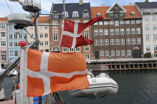 Nyhavn, Copenhagen flags